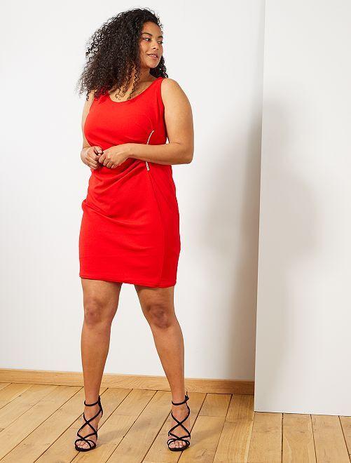 Abito da sera con gioiello                                         rosso Taglie forti donna