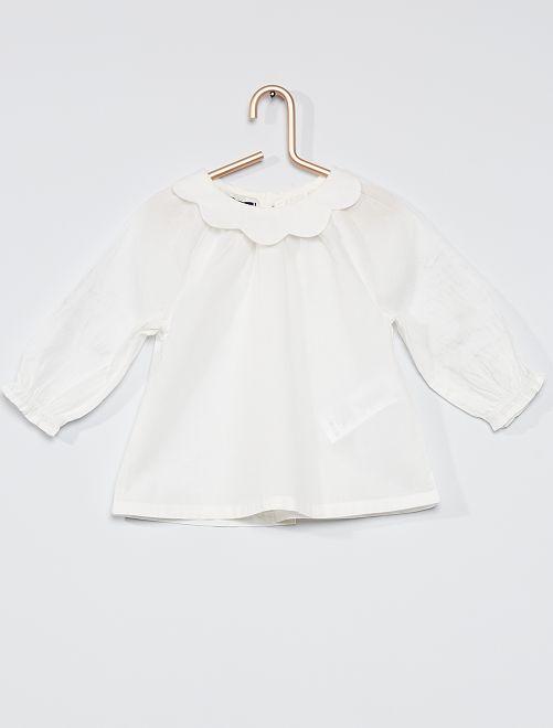 Blusa con colletto rotondo arricciato                                         bianco neve