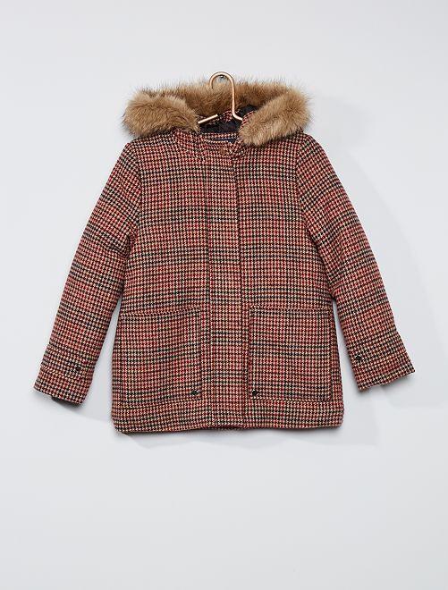 Cappotto con cappuccio in finta pelliccia                                         quadri rosa