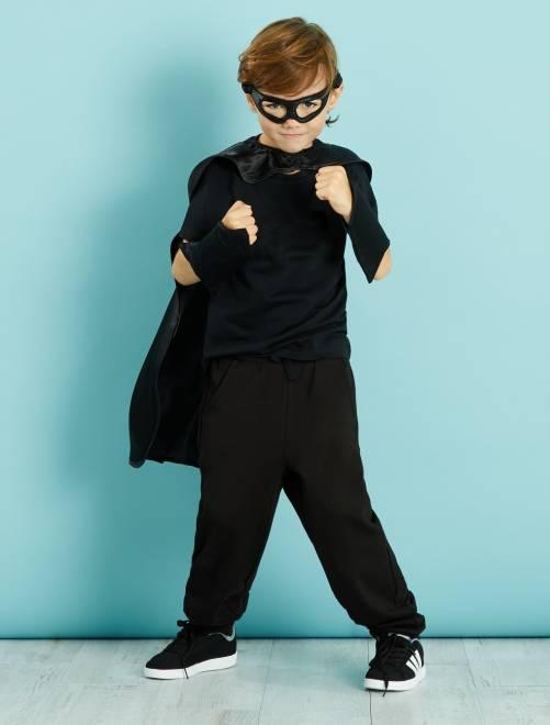 Costume supereroe                             nero