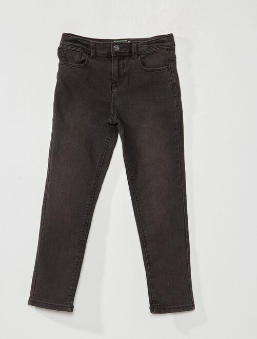 Jeans slim eco-sostenibili                                                     NERO