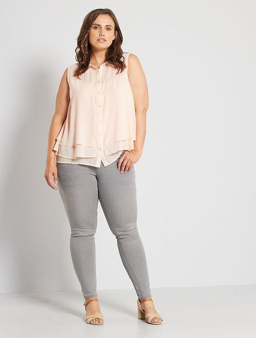 Jeans slim effetto push up                                                                                                     GRIGIO