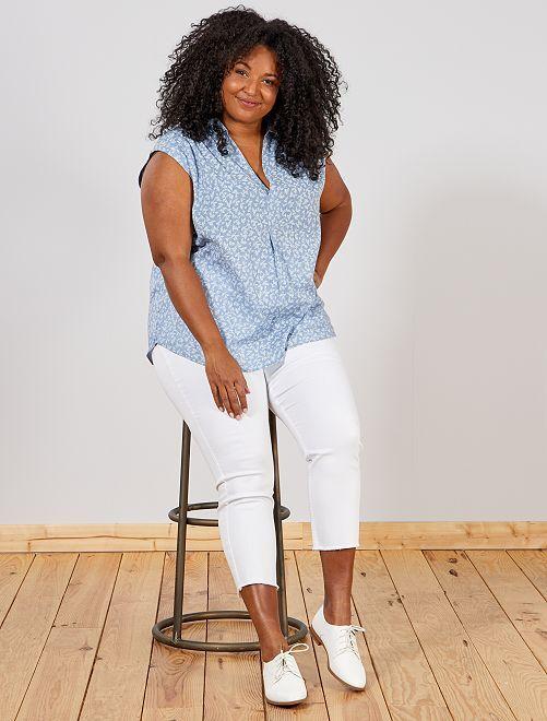 Jeans slim finitura sfilacciata                                         bianco Taglie forti donna