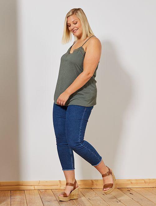 Jeans slim finitura sfilacciata                                                                 BLU Taglie forti donna