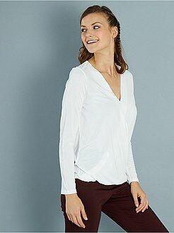 Magliette bianco - Maglia fluida scollo scaldacuore