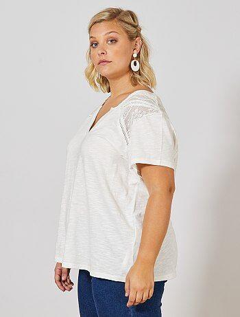 f2a1a415f2d6 T-shirt maniche corte Taglie forti donna   taglia 54/56   Kiabi
