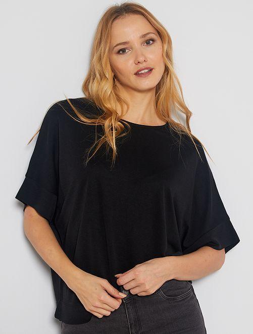 Maglietta giromanica sceso                                                                                                     nero