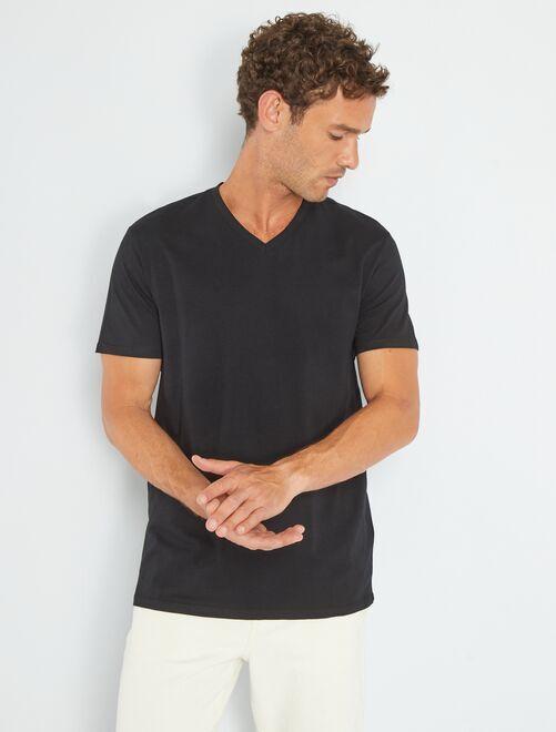 Maglietta regular cotone collo a V                                                                                                                                                                                                                 nero