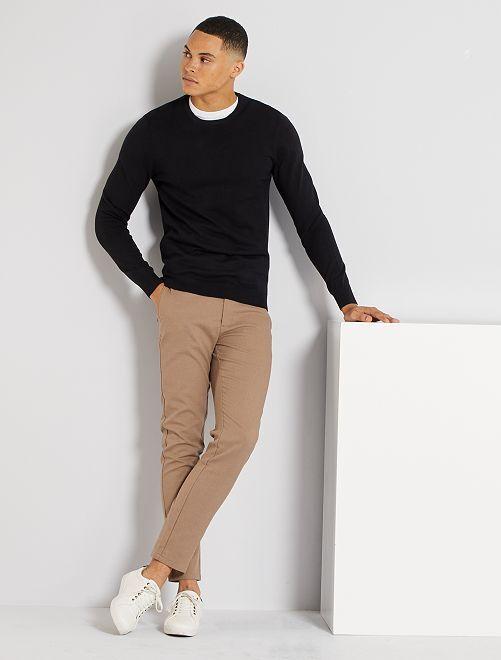 Maglione leggero scollo tondo                                                                                                                                         nero