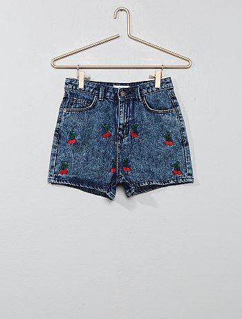 2e4b3563873f Bambina 10-18 anni - Pantaloncini delavé ricamo  ciliegia  - Kiabi