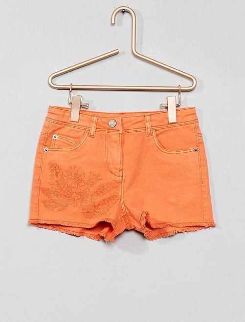 Pantaloncini sfilacciati con ricamo                                             ROSA Infanzia bambina