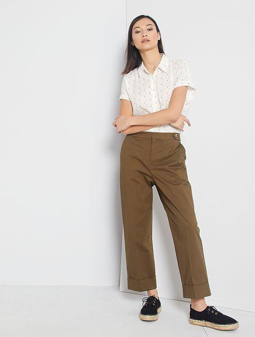 Pantaloni a pinocchietto con risvolto                                                                 castano