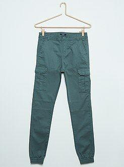 Pantaloni cargo taglio slim