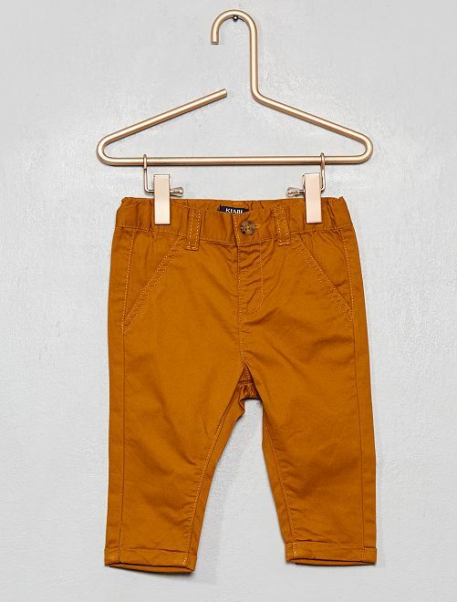 Pantaloni chino                                                     GIALLO