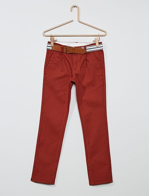 Pantaloni chino slim + cintura a righe                                                     Borgogna