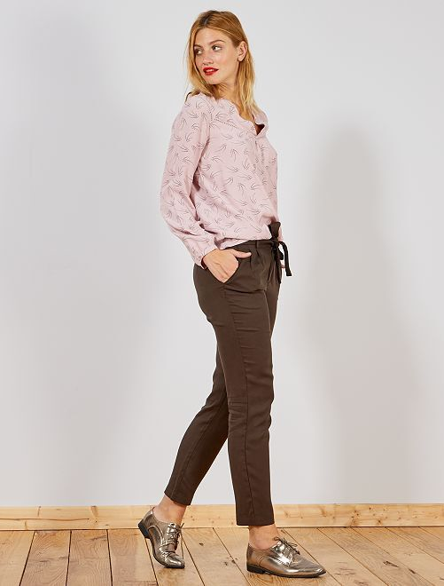 Pantaloni con pince lyocell                     MARRONE Donna