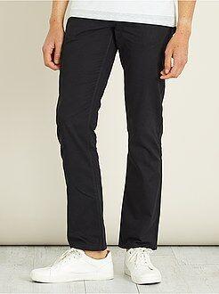 Pantaloni regular morbidi al tocco