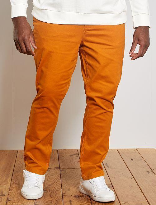 Pantaloni slim                                                     marrone