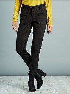Pantaloni - Pantaloni slim tasche cargo morbidezza al tatto