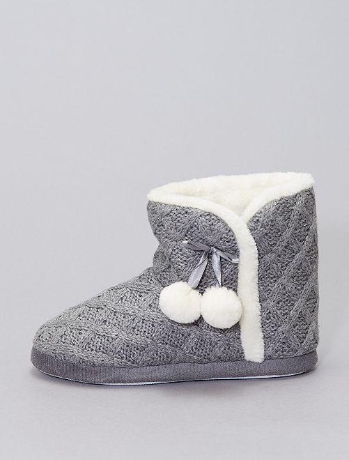 Pantofole stivaletto all'uncinetto imbottite                                         grigio