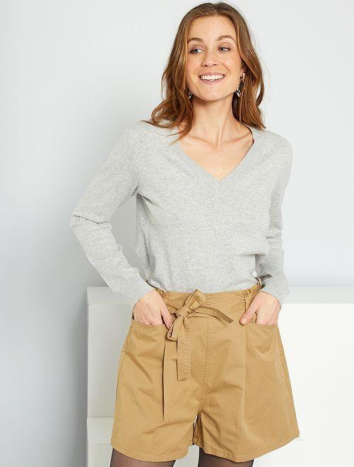 Pullover basic con scollo a V                                                                                                                 GRIGIO