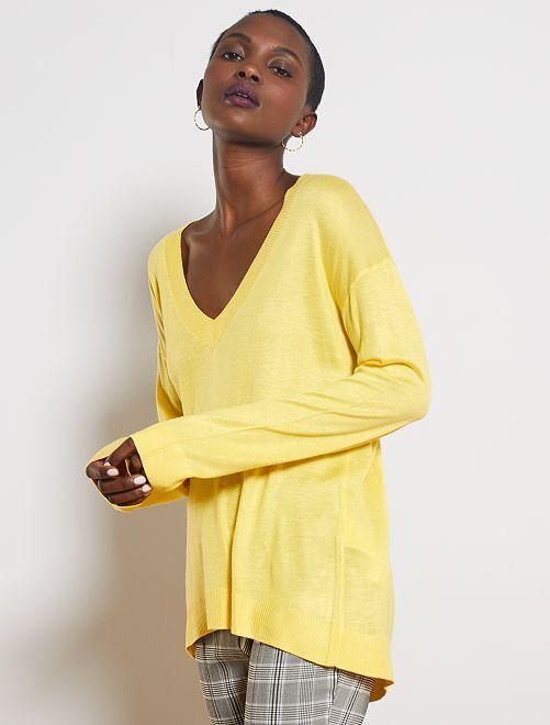 Pullover oversize collo a V                                                                                                                                                                                                                 giallo