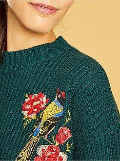 Pullover ricamato maglia a coste