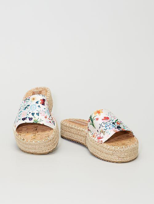 Sandali a fiori con zeppa                                         bianco