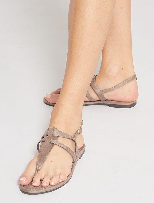 Sandali bassi in finto camoscio                                         talpa