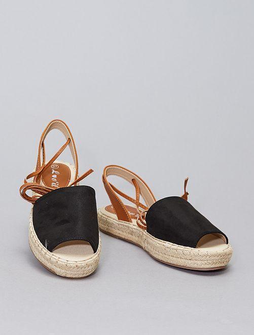 Sandali bassi regolabili con cinturino                             nero