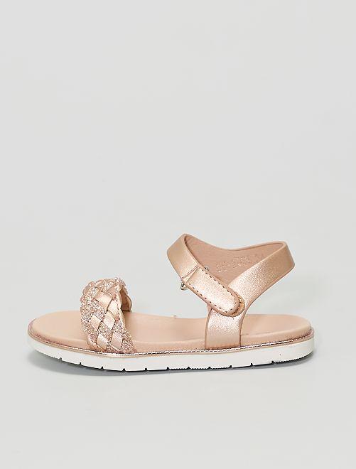 Sandali con cinturini intrecciati con paillettes                             beige scuro