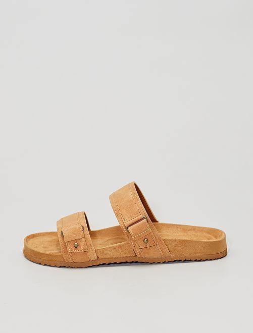 Sandali con doppio cinturino                     castano