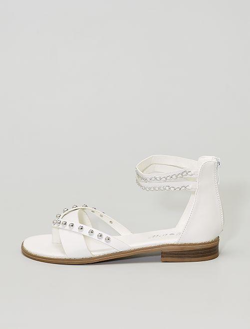 Sandali con perle e catenelle                                         bianco