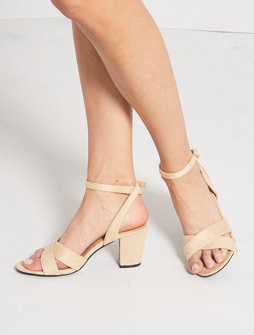 Sandali con tacco                                         BEIGE
