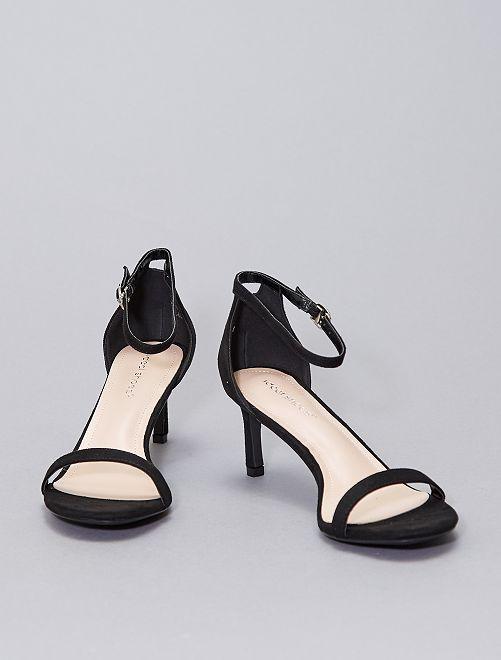 Sandali con tacco in finto camoscio                             nero