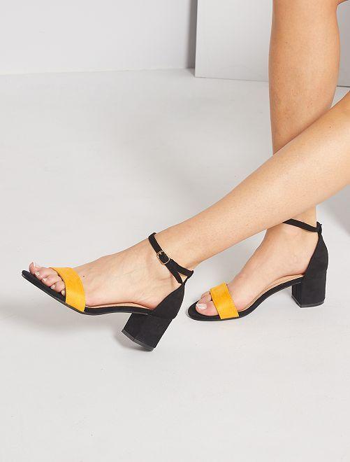 Sandali con tacco in pelle scamosciata                                                     GIALLO