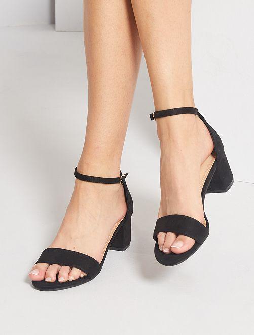 Sandali con tacco in pelle scamosciata                                                     nero