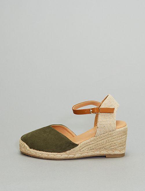 Sandali con zeppa                                                                 kaki
