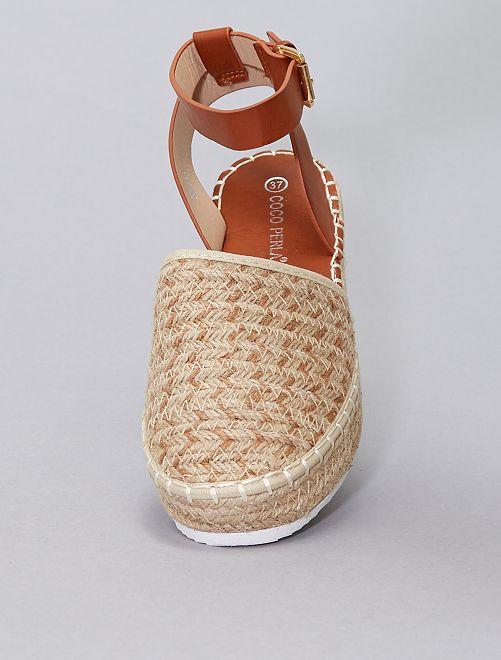 Sandali effetto intrecciato                             beige