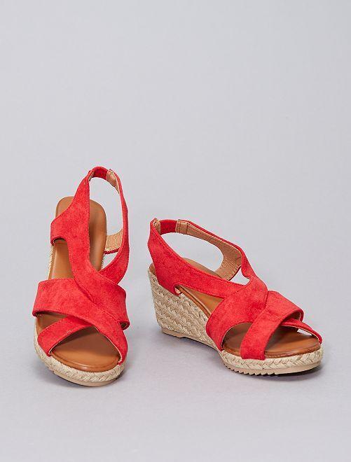 Sandali effetto scamosciato                                         rosso