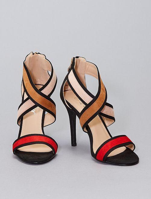 Sandali in finto camoscio con tacco                                         rosso