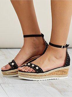 Scarpe con zeppa - Sandali pelle scamosciata - Kiabi
