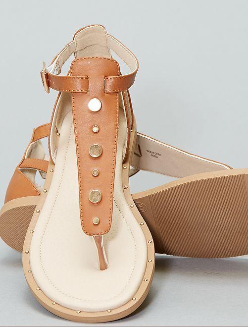 Sandali piatti con rivetti                                         MARRONE