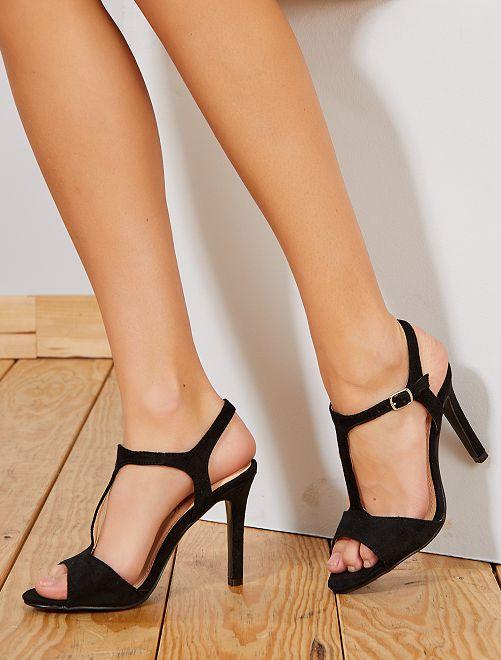 Sandali tacco sottile                             nero