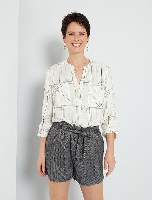 Shorts con pinces                                                     GRIGIO