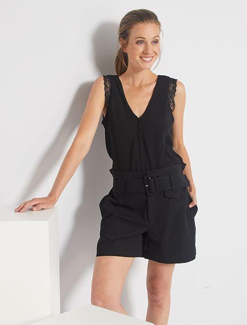 Shorts con vita alta con cintura                                                                                         nero