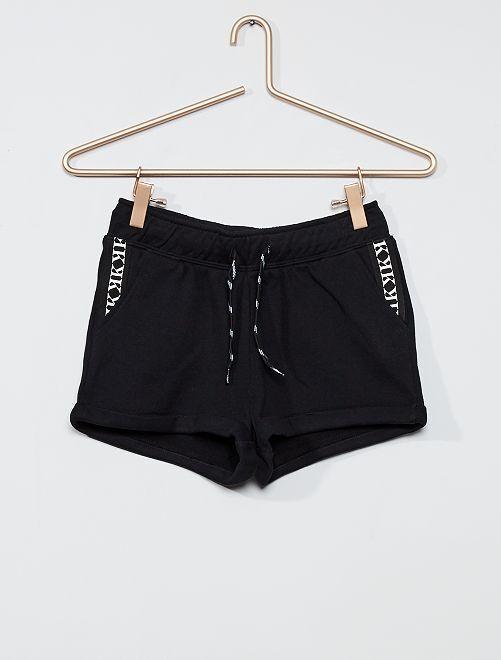 Shorts in tessuto felpato con bande                     NERO