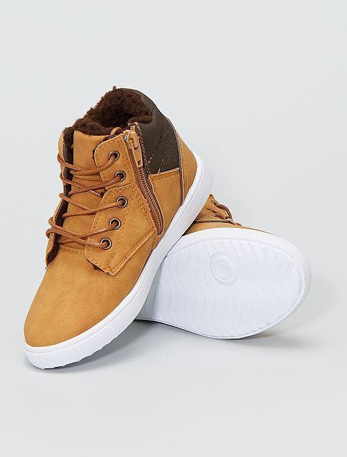 Sneakers basse con strappi e lacci                             cammello