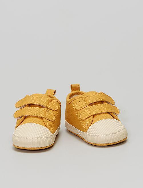 Sneakers con strappi                                         GIALLO