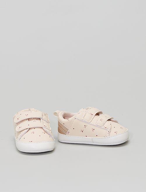 Sneakers con strappi                                         stampato fiore